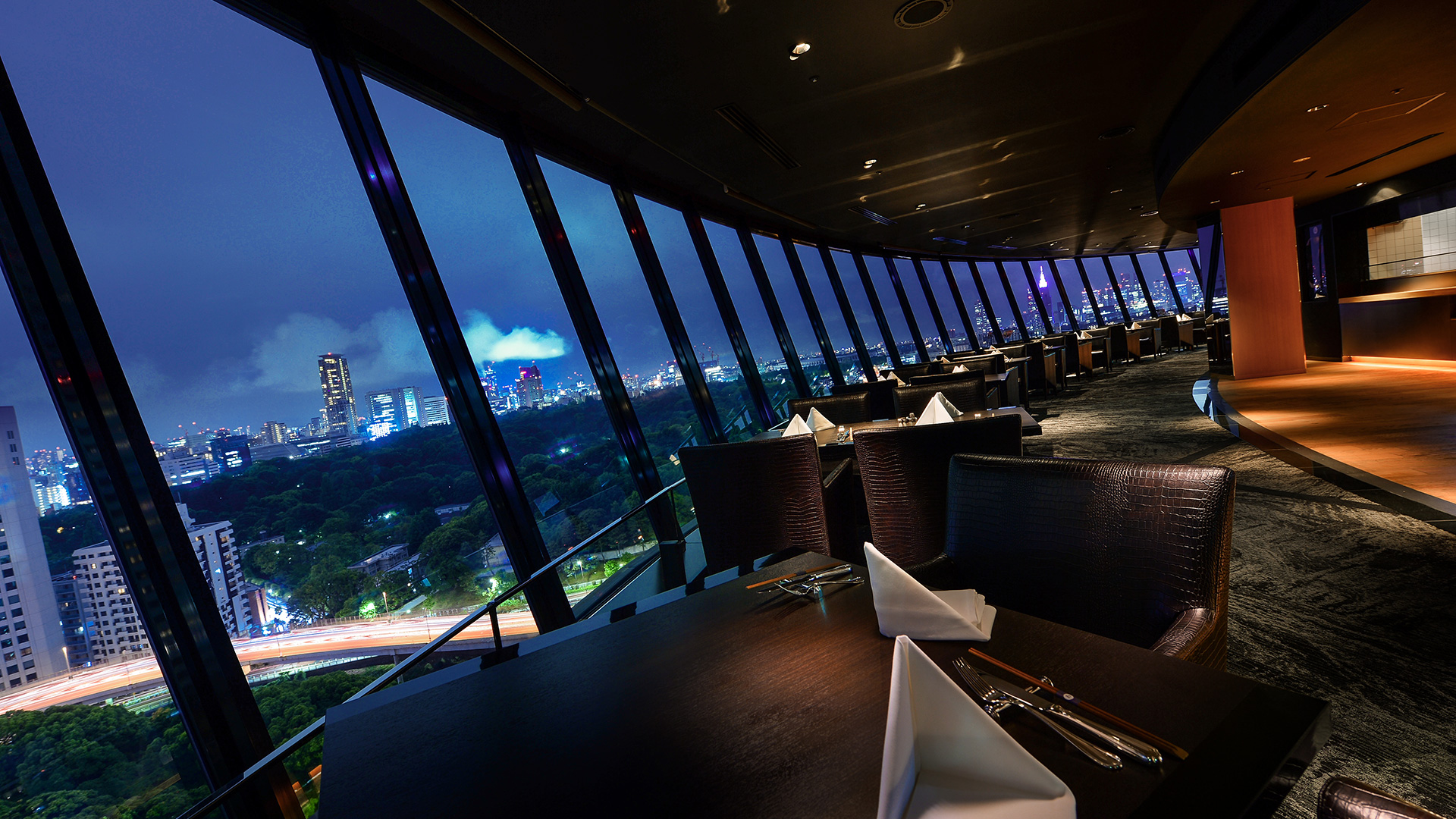 VIEW & DINING THE SKY | Dining | Hotel New Otani Tokyo